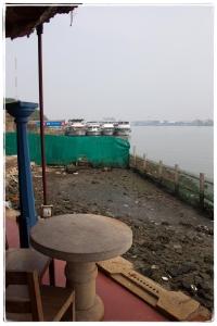 Coastal restaurant